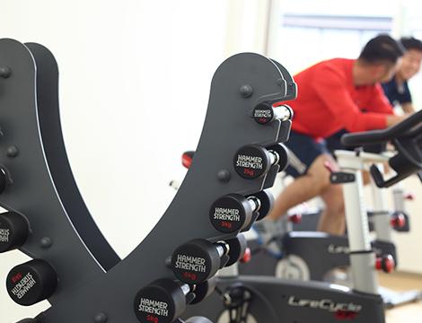 軸を整え「きちんと立つ」ことが重要。タイプに合った体幹トレーニングで劇的な変化が期待できます。